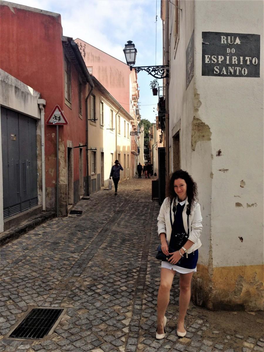 Natalia in the streets of Portol, Lisbon