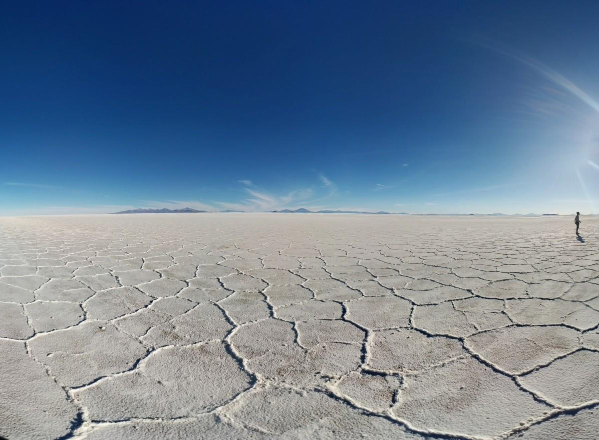 Photo by Eduardo Gutierrez of Dakar Monument salt flats