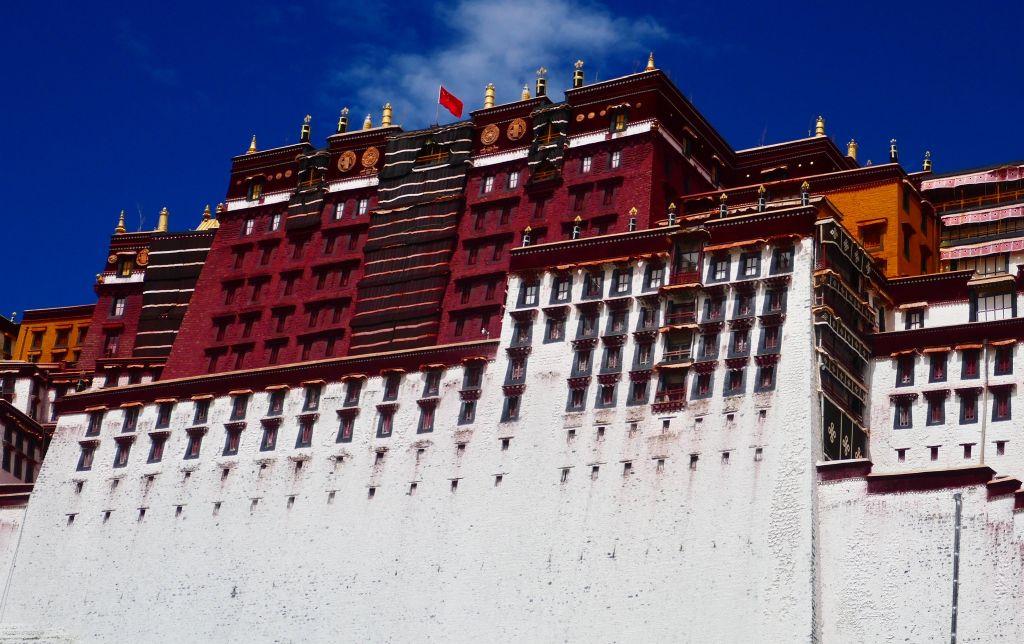 Potala Palace Lhasa Tibet.jpg